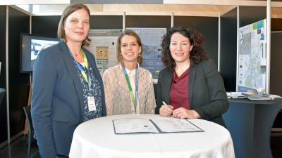 Tyrol supports city network in the EU-Alpine region: LHStvin Felipe signed agreement